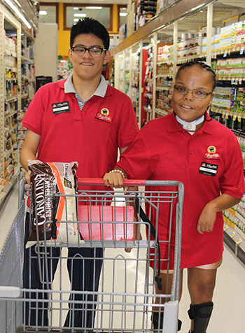 Students food shopping in the community - NJEDDA private special education school